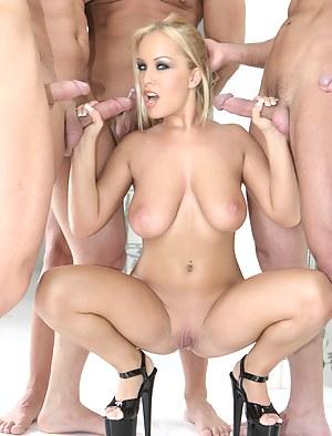 Best Mature Handjob Porn Pictures