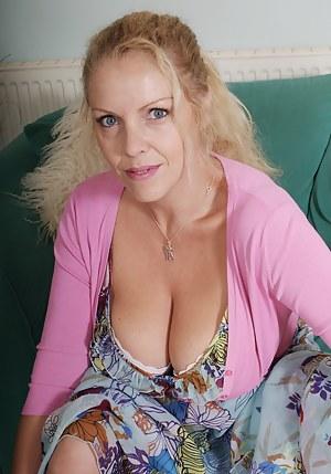 Best Amateur Mature Porn Pictures