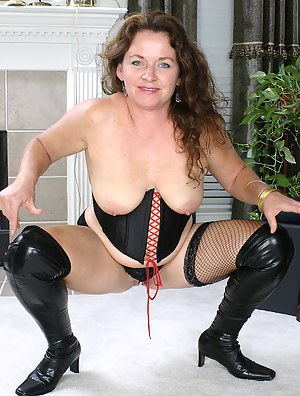 Best Mature Corset Porn Pictures