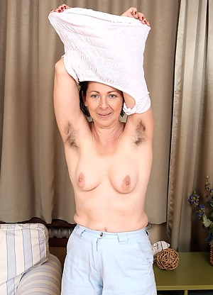 Best Hairy Mature Porn Pictures