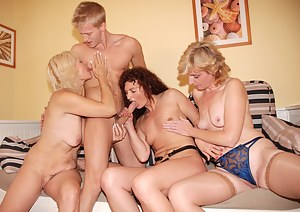 Best Mature Foursome Porn Pictures