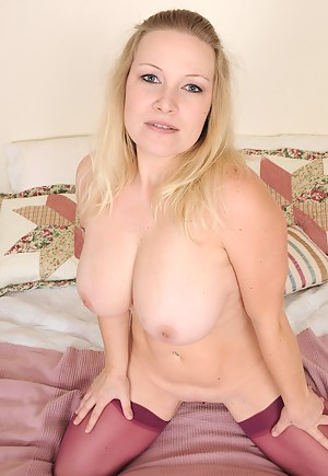 Best Mature Natural Tits Porn Pictures