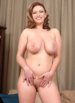 Best Mature Nipples Porn Pictures