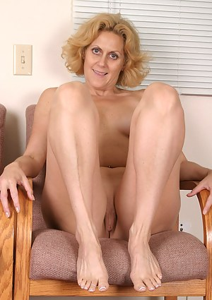 Best Mature Foot Fetish Porn Pictures