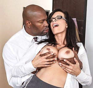Best Mature Interracial Porn Pictures