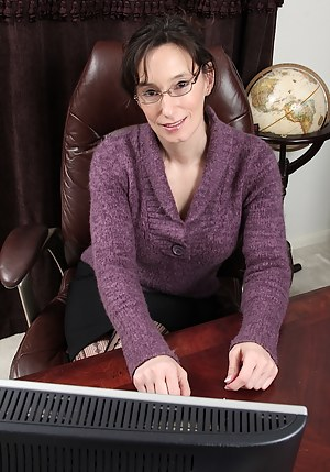 Best Mature Glasses Porn Pictures